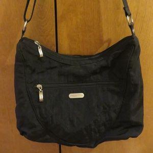 Baggallini black quilted nylon crossbody bag, euc